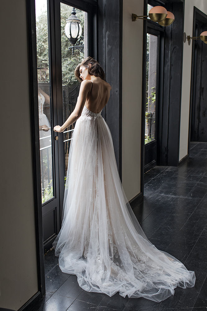 2019-weddingDress30-4